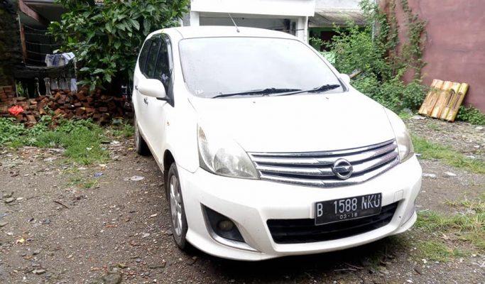 Mobil Bekas Nissan Grand Livina XV 2013 Matic